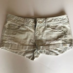 American Eagle Size 4 Distressed Shorts